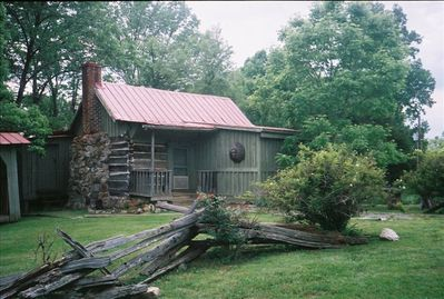 DeHart Cabin c 1860 found in Stuarts Draft & moved here to farm. 2.5 bdrms, 1 ba