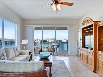 Waterfront Condo in Heart of Clearwater w. Pool and Spa