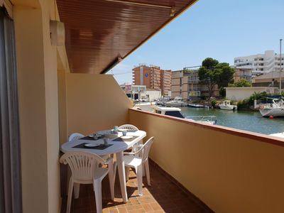 Photo for Apartment with view over the harbour, close to the beach in Sta margarita