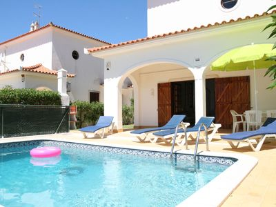 Photo for Villa private pool, free WiFi, SKY TV & A/C in tranquil location of Vale do Lobo