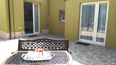 Photo for Large private courtyard. Beach convention, bike rental, pizzeria. free WIFI