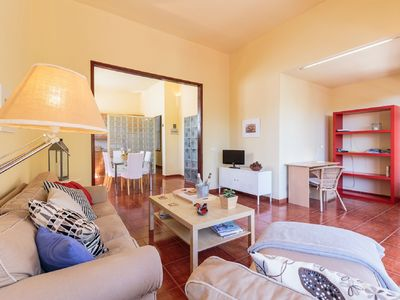 Photo for Spacious and bright apartment with large terrace next to the beach of S / C de la Palma 5 p.