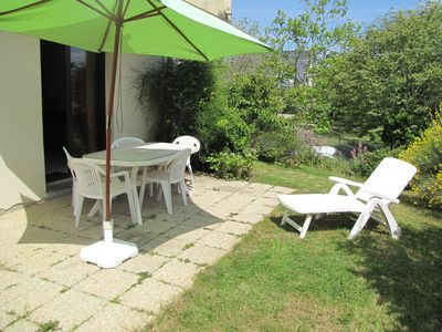Photo for Pleasant T2, terrace and garden, WIFI, label 3 *, 200 m from the beach and shops