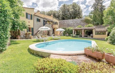 Photo for 7 bedroom accommodation in Cortona AR