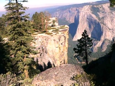 Photo for Located inside Yosemite National Park gates, an ideal base to explore Yosemite.