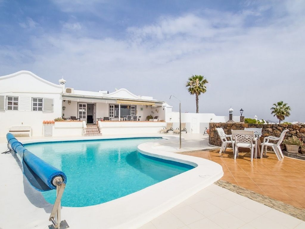 Villa Vispera - 3 Bed Detached Pool and Terrace, Panoramic Sea Views.