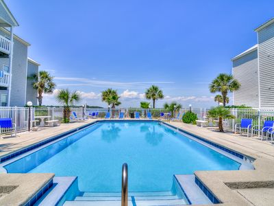 Photo for ⭐Hermitage By The Bay 105⭐2BR-July 22 to 25 $895 total! Bayside Pool! Ground FL!