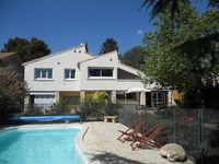 Great value for a wonderful property. Very well equipped with great pool!