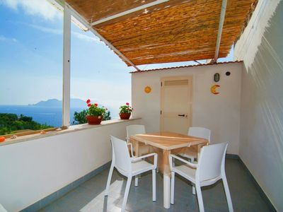 Photo for One bedroom Villa, sleeps 2 with FREE WiFi and Walk to Beach & Shops