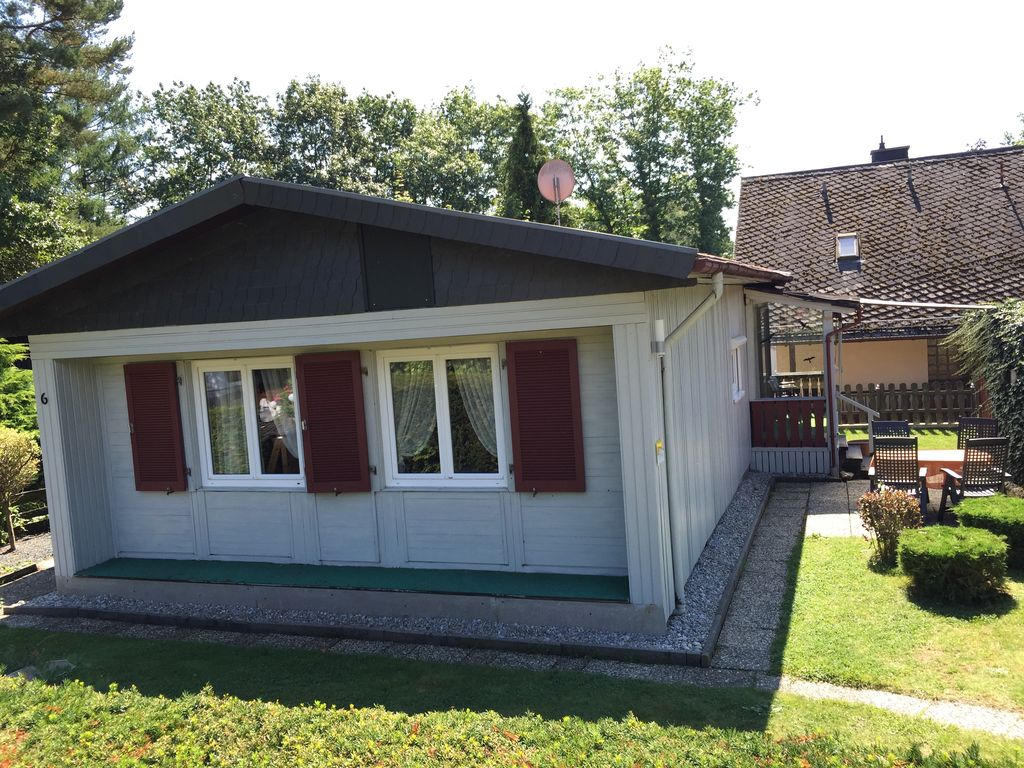 Detached cottage with a living area of ​​80 sqm. for max. 5 Pers. Kitchen, bathroom, 2 bedrooms.