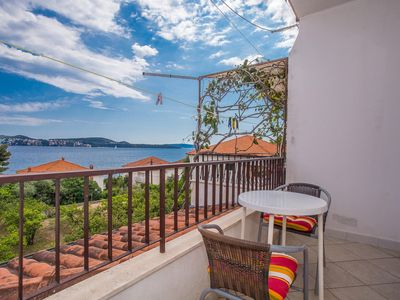 Photo for 1BR Apartment Vacation Rental in Seget Donji