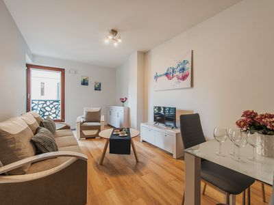 Photo for Solec 8 apartment in Nowe Miasto with WiFi, balcony & lift.