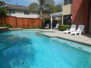 Beautiful ANAHEIM HILLS HIDEAWAY Near Disneyland, Pool, Spa, 5 Stars, WiFi