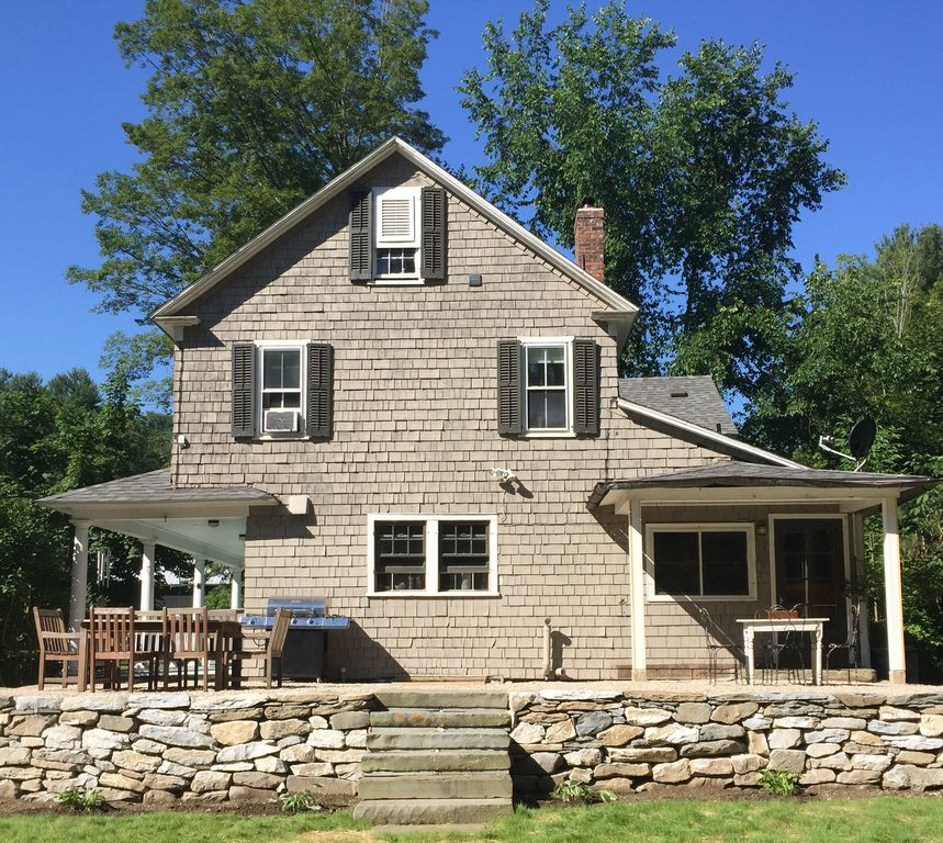 3 Br Antique Farmhouse W Gourmet Kitchen Farmstay 2 Acres