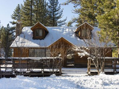 Photo for Charming and Comfy Cabin in the heart of town!