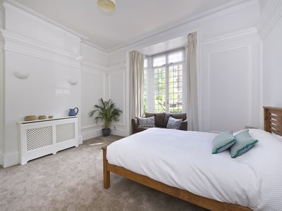 Photo for Pro-Managed Westbourne Park Road 2 bed with Garden