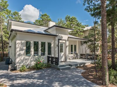 Photo for 4 Bed 3.5 Bath Home. Private Heated Pool. Short Walk to Private Beach Access