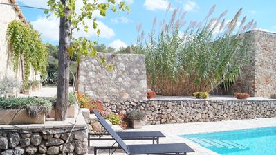 Photo for Quiet house with studio and pool for 3 people
