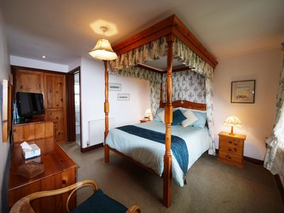 Photo for Plum Tree Cottage 73354 - sleeps 2 guests  in 1 bedroom