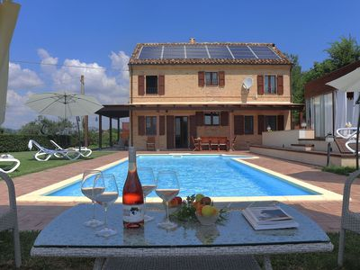 Photo for Private villa with pool, air-conditioning, w-fi, Jacuzzi, Le Marche -VILLA GRETA