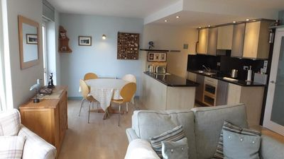 Photo for Apartment in the center of Tenby with Internet, Parking (689634)