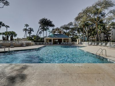 Photo for 208 Barrington-Gorgeous 2BR/2BA in Palmetto Dunes! Sleeps 8! Updated! Pool!