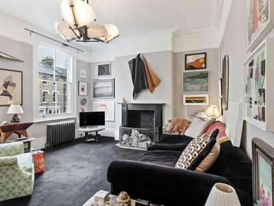 Photo for Arty 2BR with garden, easy way to King's Cross, by Veeve