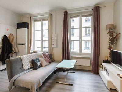 Photo for Charming 2 rooms in the heart of Bastille