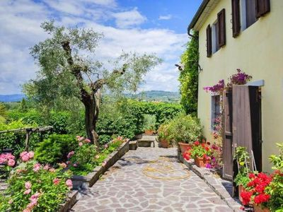 Photo for Holiday residence Casa Pinorio, Lamporecchio  in Um Florenz - 8 persons, 4 bedrooms