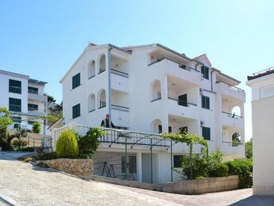 Photo for Apartments in der Villa Marin, Omis-Stanici  in Mitteldalmatien - 4 persons, 1 bedroom