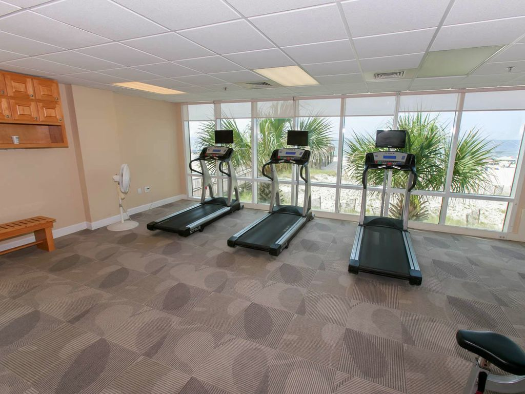 corner unit w extra windows and views new vrbo new floors gorgeous decor location gorgeous fitness facility with sauna and steam room
