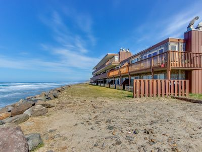 Photo for Oceanfront condo with easy beach access and amazing views!