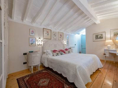 Photo for Duomo area  luxury flat for an unforgettable holiday, free WIFI, AC.