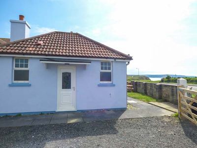 Photo for SEAVIEW LODGE, pet friendly, with a garden in Bude, Ref 953863