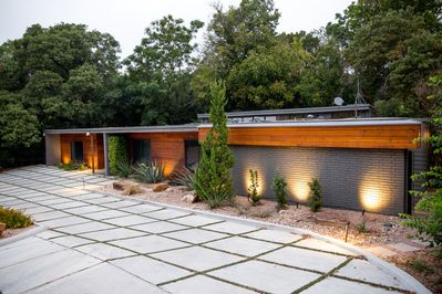 As Seen On Fixer Upper   Stay In The Fabulous Waco Mid Century Modern Home!