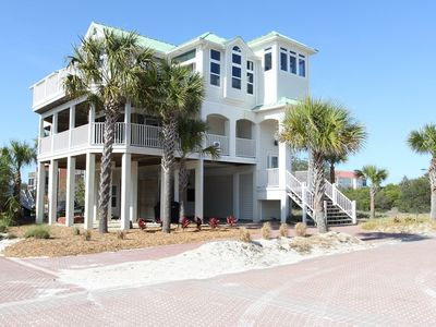 Photo for Happy Place - 6/4.5 Gulf view home, community pool, short stroll to beach!