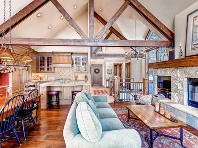 Photo for Luxe Slopeside Townhome at Pines Lodge, 3Br + Den