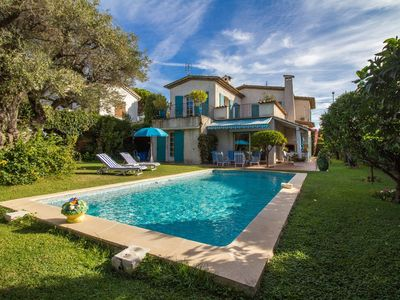 Photo for Beautiful 4 bedroom villa / Pool / Barbecue