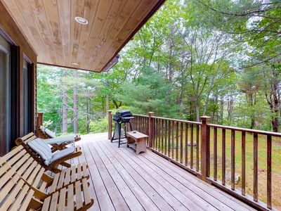 Photo for Woodland home w/ deck, balcony & lake view - dogs OK, close to downtown!