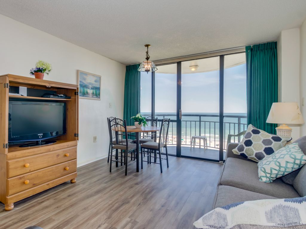Affordable 1 Bedroom Oceanfront Condo Mins From The Boardwalk Myrtle Beach Myrtle Beach