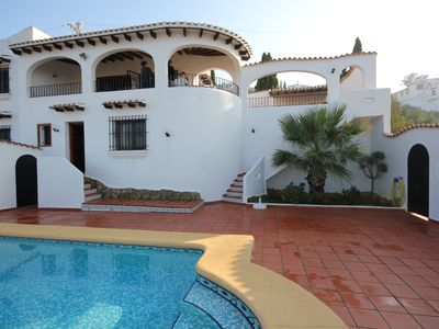 Photo for Villa with private pool, air conditioning, panoramic and sea view, with dog