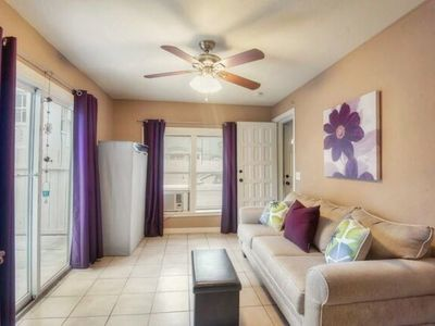 Photo for Beautiful Studio Apartment - Minutes from Riverwalk & Pearl (Apartment No.1)