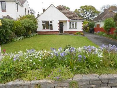 Photo for BOURNECOAST: BUNGALOW just 200 yards away from SEAFRONT- Island View Ave- HB2087