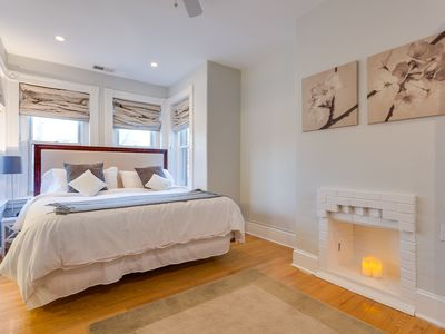 Photo for Beautiful 4 bedrooms, 3.5 baths Steps to Eastern Market