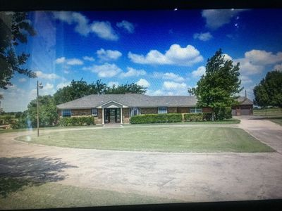 Photo for Joywilly Specious Retreat Home Near UNT, TWU & THR HospItal.Beach like backyard