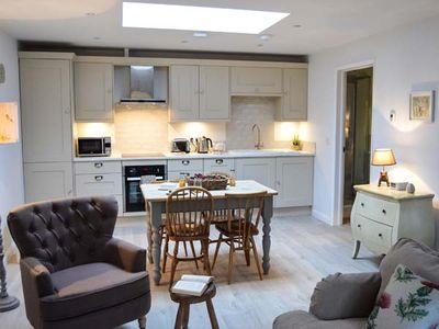 Photo for FOX'S DEN, luxury holiday cottage in Titchfield Common, Ref 961324