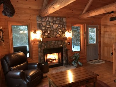 Cranberry Lake Log Home, Fall Colors!, 30 min to Pictured Rocks!