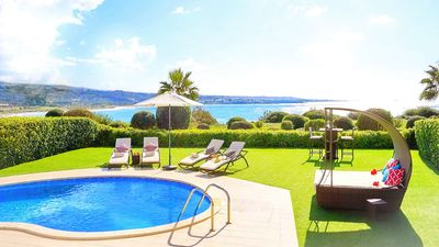 Photo for Luxury Sea Front Bungalow Villa With Private Pool In Coral Bay
