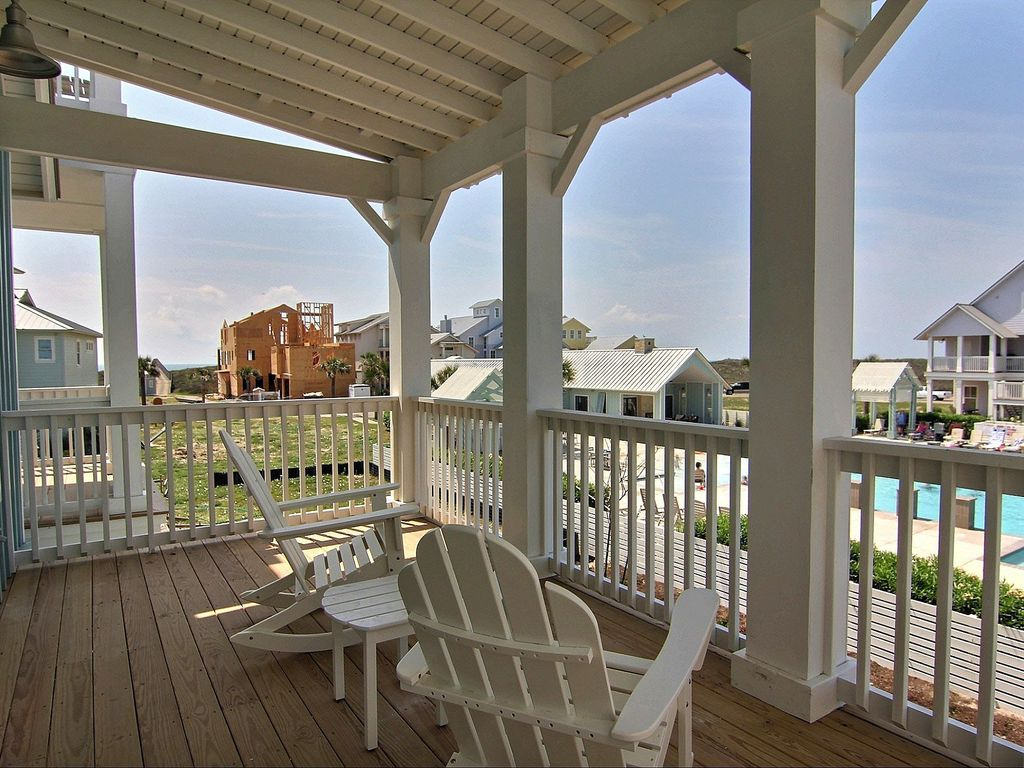 Outstanding views in this large 5 bedroom beach home!