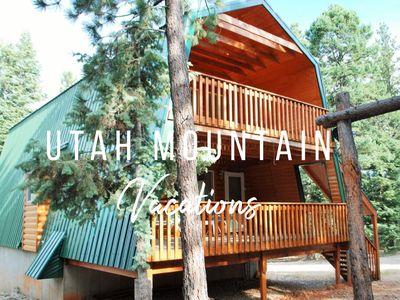 Sleeps 13- 3 Full Bathrooms - Family memories around the FIRE PIT!